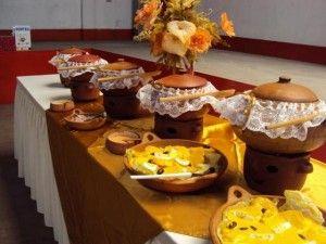 Buffet criollo en ollas de barro